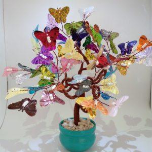 Árbol mariposas de colores